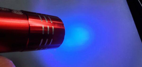 Mini 9 LED UV svítilna Barva červená